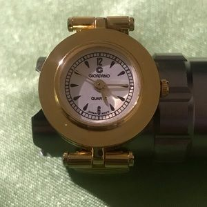 Vintage Giordano Finger Watch